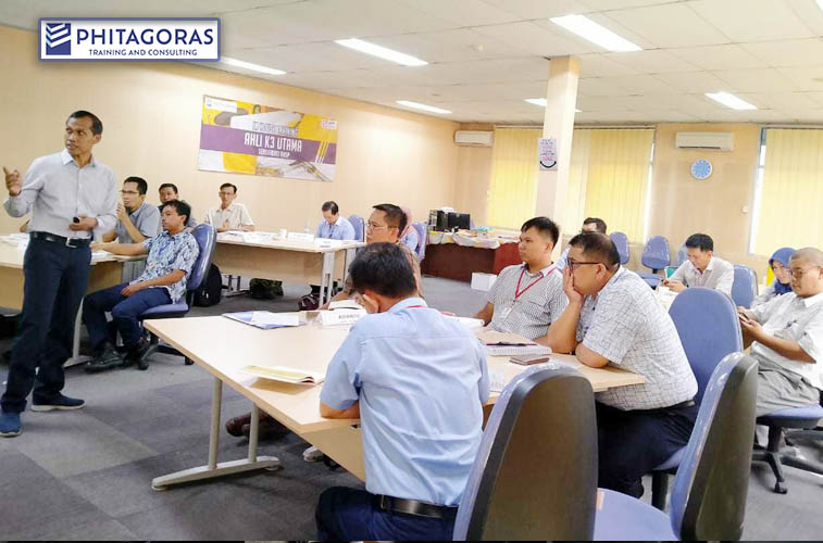 In House Training AK3 Utama BNSP, PT. Asia Pulp & Paper Sinarmas, Serpong 28 Oktober – 02 November 2019